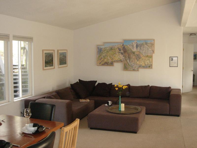 """Comfortable living room - Sequoia Resort HOUSE 3 - """"Deer Park"""" - Badger - rentals"""