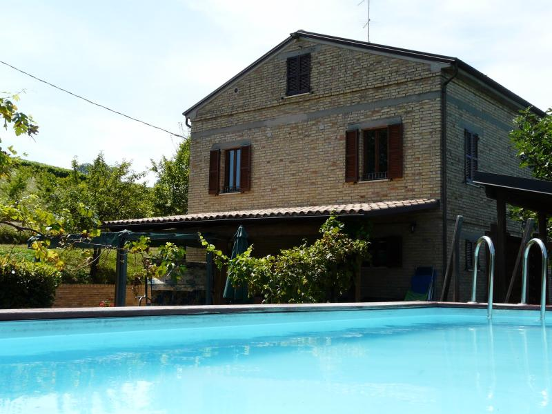 La Priora - Large house with 16 sleeps - Image 1 - Montedinove - rentals