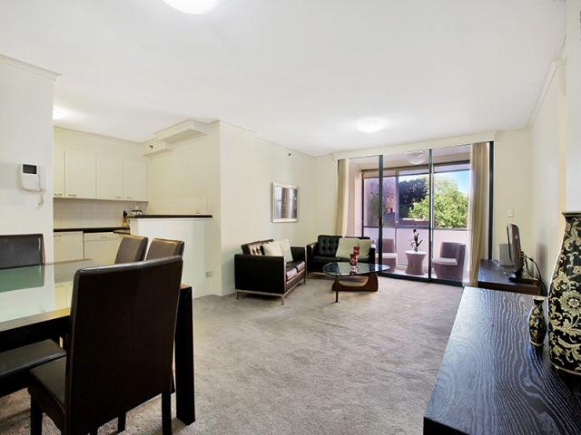 Spacious and Sophisticated Apartment - Image 1 - Sydney - rentals