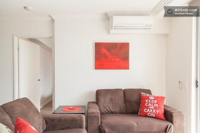 Living Room - Higgins House - modern 2 bedroom Brisbane unit - Brisbane - rentals
