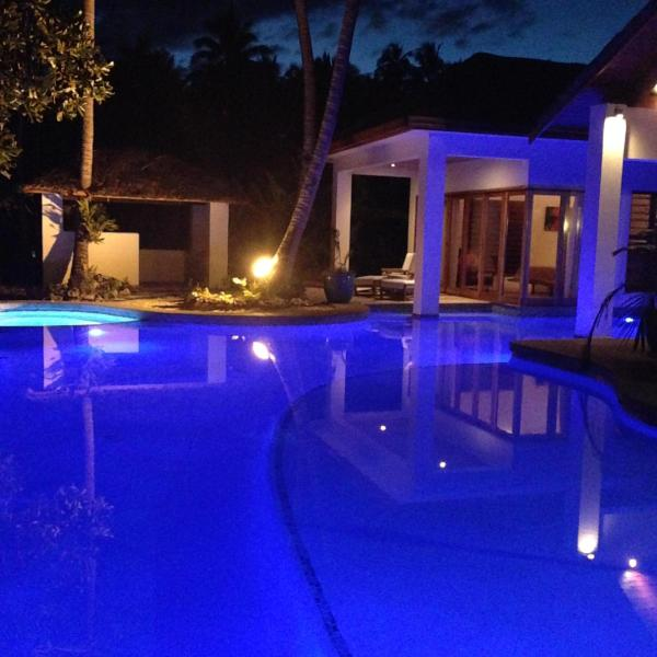 pool - Villa La Jolla Luxury Beachfront  accomodation - Viti Levu - rentals