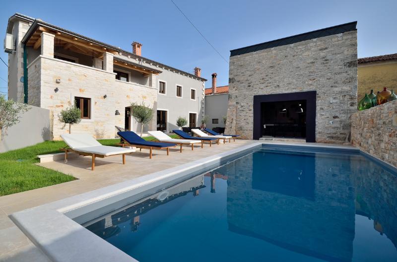 Vila Vira - modern Istrian style vila in peaceful village ideal for families - Image 1 - Baderna - rentals