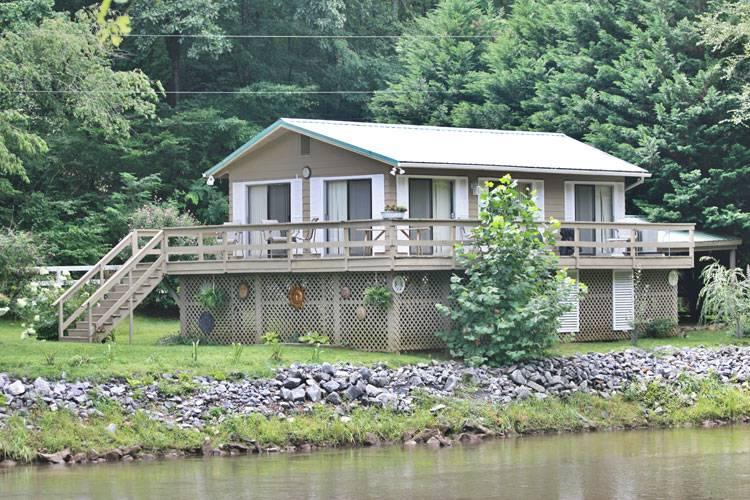 Country Cottage - Image 1 - Sylva - rentals