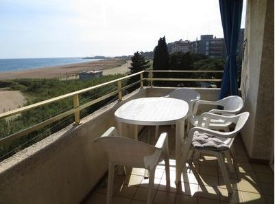 Canet Seafront swimming pool 5pax - Image 1 - Canet de Mar - rentals