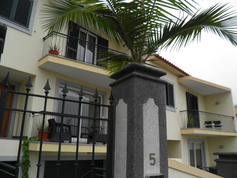 PKV-Villa with Magnificent view over Funchal city - Image 1 - Funchal - rentals