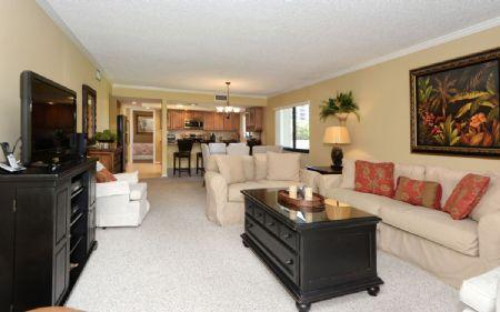 Living & Dining Area - Buttonwood 920 - Siesta Key - rentals