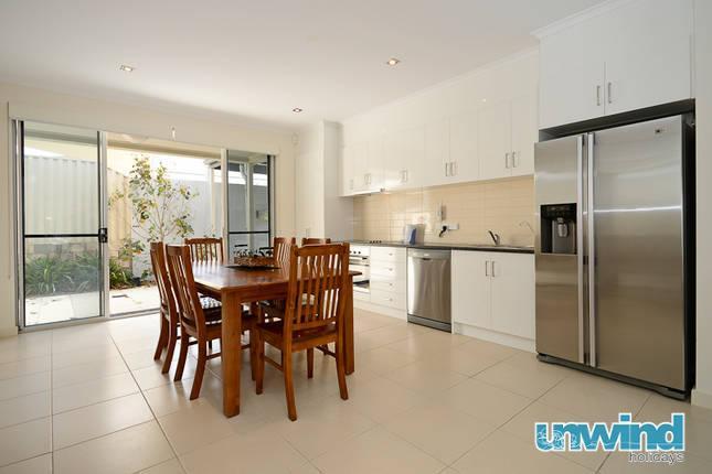 Unwind @ 7 at The Block Apartments - Image 1 - Victor Harbor - rentals