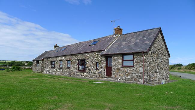 Pet Friendly Holiday Cottage - Tai Bach, Croesgoch - Image 1 - Croesgoch - rentals