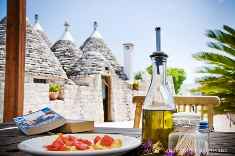 Trulli il Castagno: trullo-houses with pool - Image 1 - Martina Franca - rentals