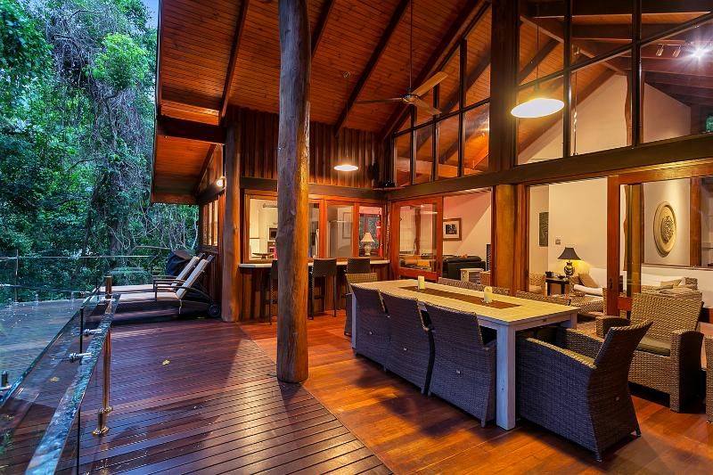Balcony at Twilight, with views over the Barron river below - Wanggulay Too Treetops Affordable Luxury Cairns - Cairns - rentals