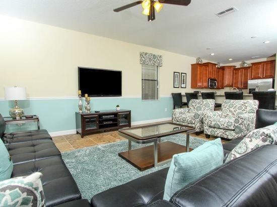 9 Bedroom 5 Bathroom Champions Gate Home That Sleeps 24. 1432WW - Image 1 - Orlando - rentals