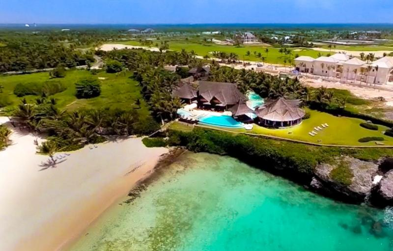 Increible Oceanfront Beauty 6 BDR in Punta Cana - Image 1 - Punta Cana - rentals