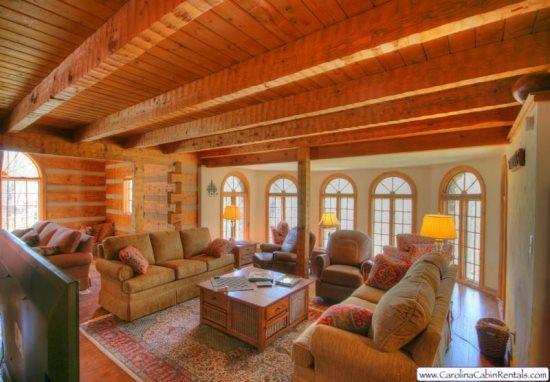 Big Rock Lodge Main Living Area with 60 Flat Screen TV - Big Rock Lodge - Blowing Rock - rentals