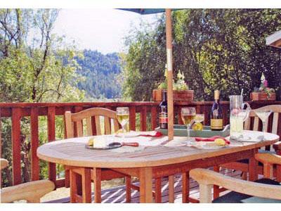 Cabernet Corner, Riverfront Deck, Guerneville, CA - River Beach Cottage 3 - Guerneville - rentals
