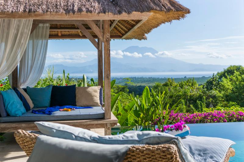 Poolside at Villa Nusa - Villa Nusa - Stunning private villa, Lembongan - Nusa Lembongan - rentals
