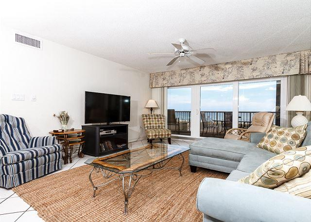 Beautiful open living room with amazing 2nd floor views! Loads o - Condo #2001:'Southern' condo on the beach! LCD HDTV,WiFi,FREE beach service - Fort Walton Beach - rentals