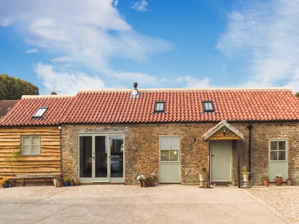 BROOK COTTAGE, single-storey, en-suite, woodburning stove, WiFi, off road parking, in Brandsby, Ref 8634 - Image 1 - Brandsby - rentals