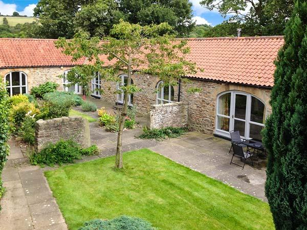 WEAR VIEW COTTAGE, detached, stone-built cottage, woodburner, walks from the door, single-storey accommodation, near Hamsterley, Ref 904978 - Image 1 - Hamsterley - rentals