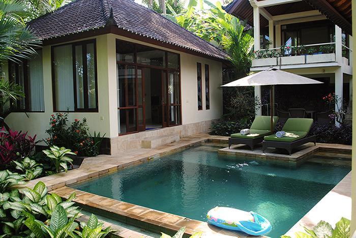 The pool and master bedroom. - Villa Timpal Timpal - 2 bedroom villa in Ubud - Ubud - rentals