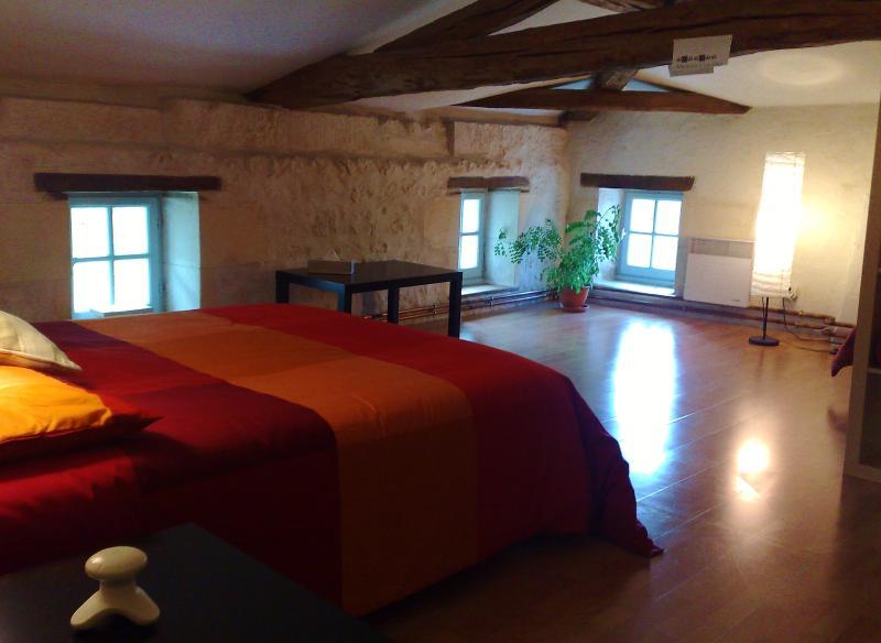 Bedroom in the countryside(1)Chambre à la campagne - Image 1 - Saint-Hilaire-Du-Bois - rentals