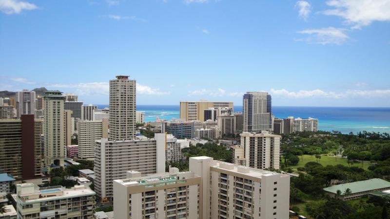 Partial Waikiki Ocean View - 2BR / 2BTH Amazing Panoramic, Ocean Views, HM 3506 - Honolulu - rentals