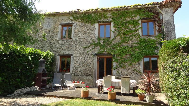 La Grange and Terrace - La Grange - Spacious family holiday cottage - Riberac - rentals