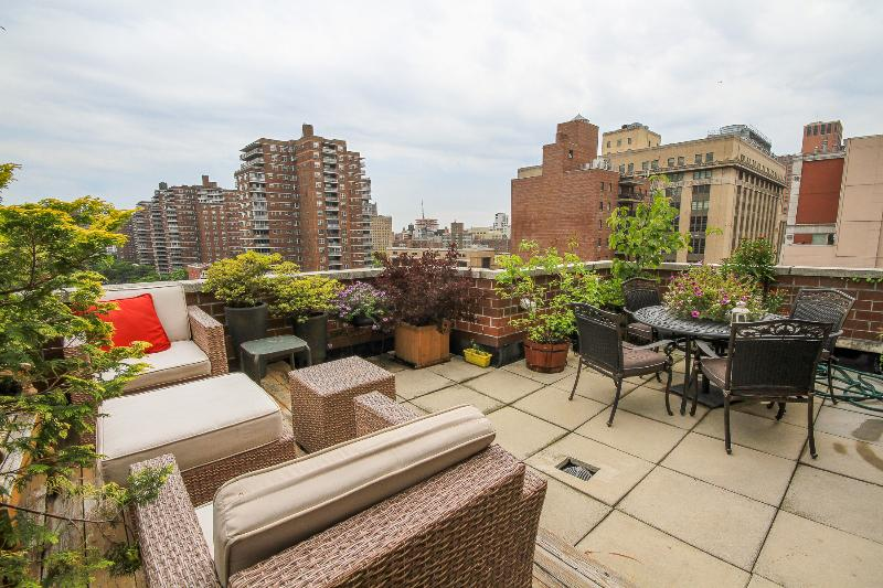 Chelsea 2 Bedroom Penthouse Duplex + Outdoor space - Image 1 - New York City - rentals