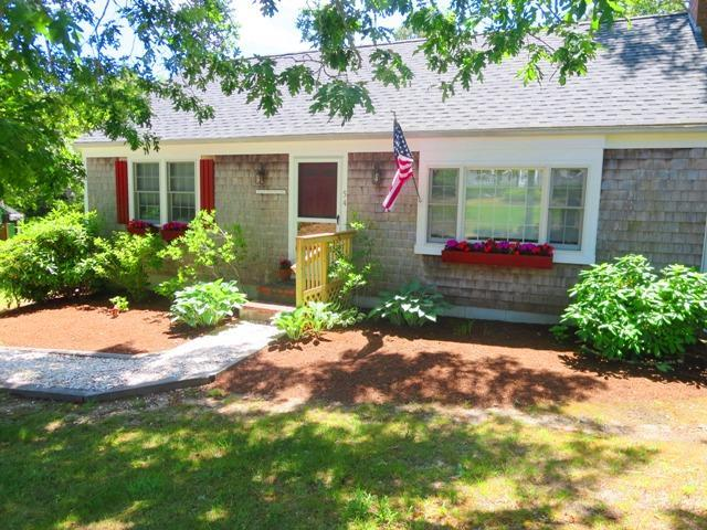 Front View of seaside cottage (parking for three cars) - 54 Cranberry Way Chatham Cape Cod - Chatham - rentals