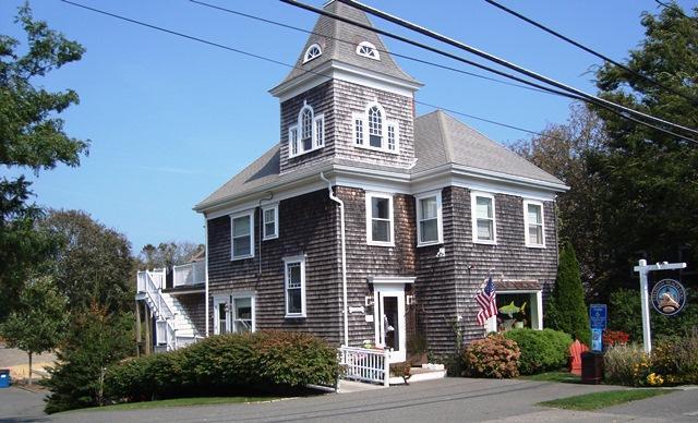 Exterior - Top Floor Luxury Condo - 416 Main Street Chatham Cape Cod - Chatham - rentals