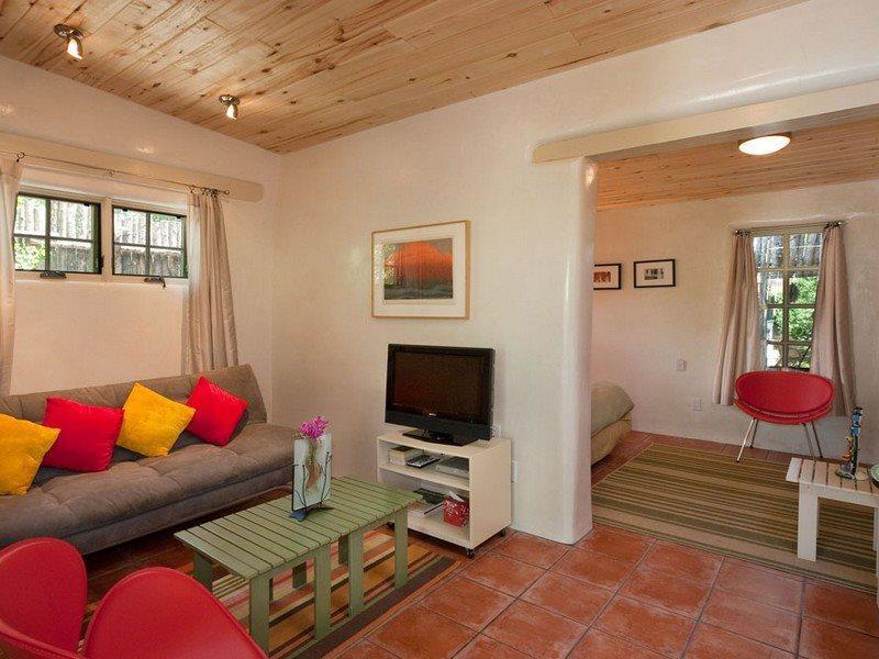 Living room - McKenzie Casita - Downtown - Santa Fe - rentals