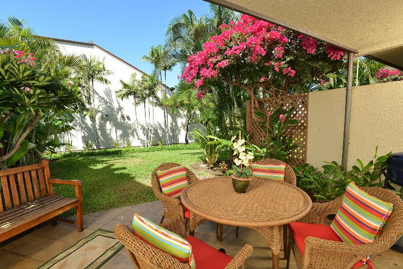Garden View across from beach -  2 bdrm, no Stairs - Image 1 - Kihei - rentals