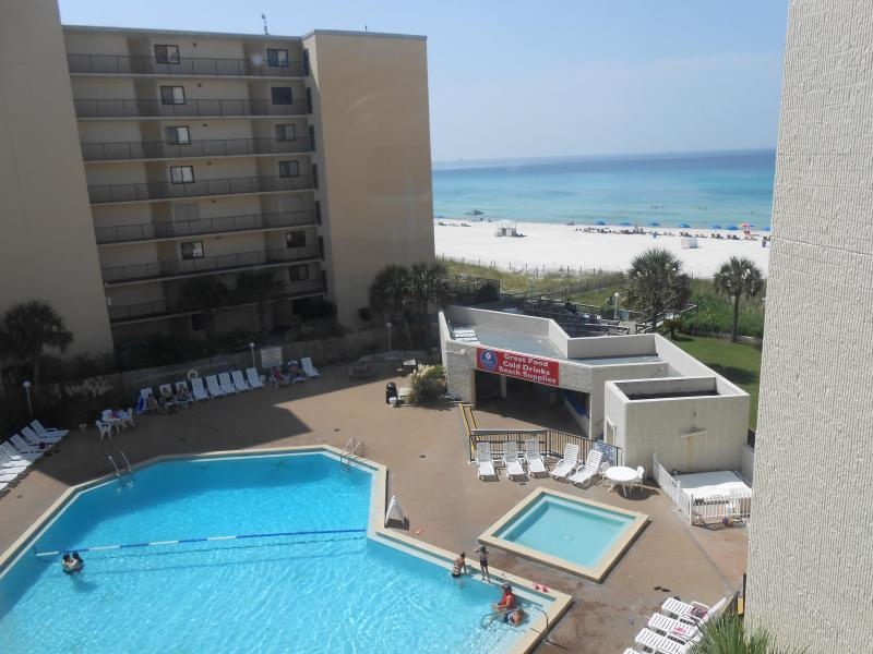 Beautiful view from a wall of windows - week $750 incl tax and clean/ 3nt $425/ 4nt $525 - Panama City Beach - rentals