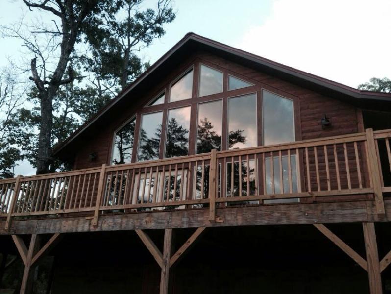 Window view wall - Bearadise Cabin in Franklin, NC  Sleeps 3 - Franklin - rentals