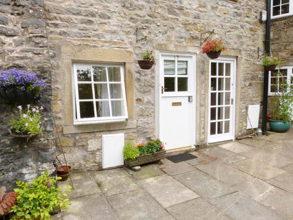MILL APARTMENT, two-storey apartment in Grade II listed former mill, views of countryside and river, pet-friendly, in Airton, Ref 28394 - Image 1 - Malham - rentals