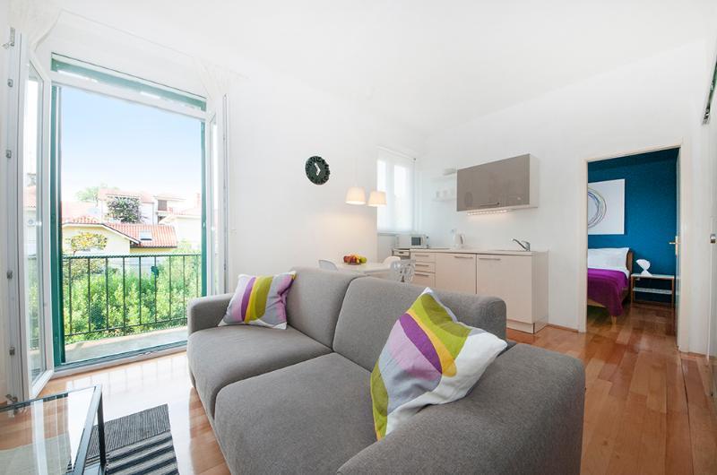 City Center: One-bedroom apartment with balcony - Image 1 - Split - rentals