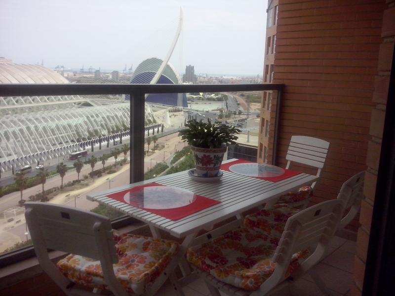 CITY´S ARTS & SCIENCIES & HISTORICAL CENTER CLOSE - Image 1 - Valencia - rentals