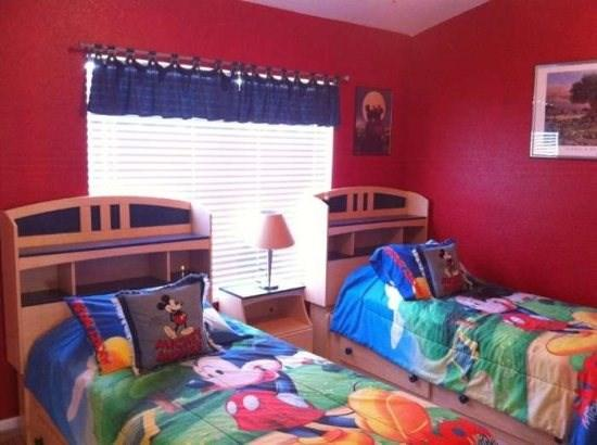The kids will love this Mickey themed bedroom on the second floor with a full private bathroom - Pluto`s Place - Kissimmee - rentals