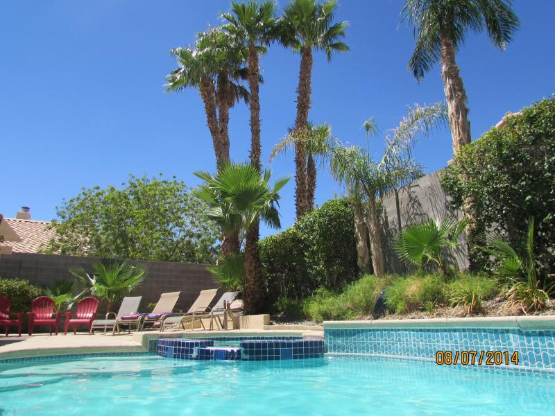 Private Pool - Relax and Enjoy!  Amazing Customer Service - Las Vegas - rentals