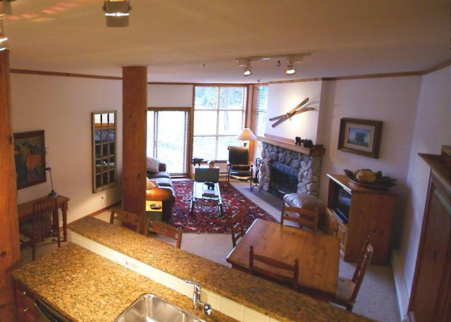 Living Area - Blackcomb Greens 6 - Great golf course views, quiet location on shuttle route - Whistler - rentals