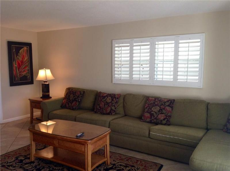 Fully equipped Island House Beach Resort for 4 - Villa 28 - Image 1 - Siesta Key - rentals