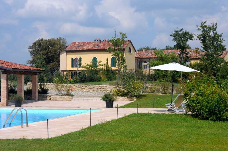 La Famulenta with pool - Monferrato: Apartment in a converted farmhouse - Grazzano Badoglio - rentals