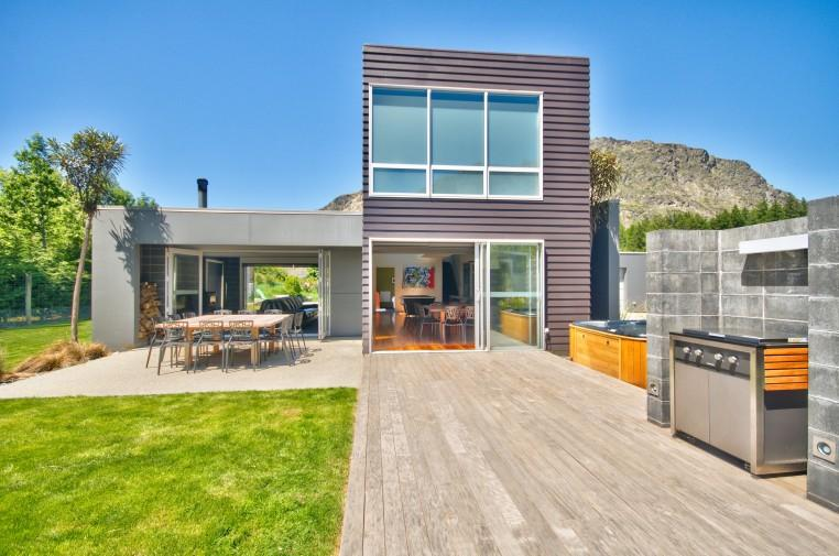 Modern Family - Image 1 - Queenstown - rentals