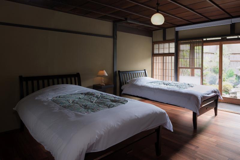 Twin bedroom - Shimoza-an -Traditional Machiya in the Heart of Kyoto - Kyoto - rentals
