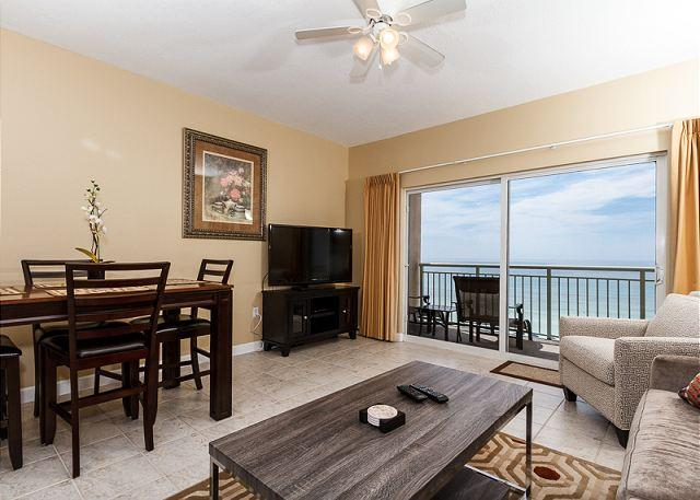 Beautifully decorated in August 2014  -all new furniture! Check - PI 609: TOP FLOOR BRAND NEW, onsite check-in, free BEACH SERVICE - Fort Walton Beach - rentals