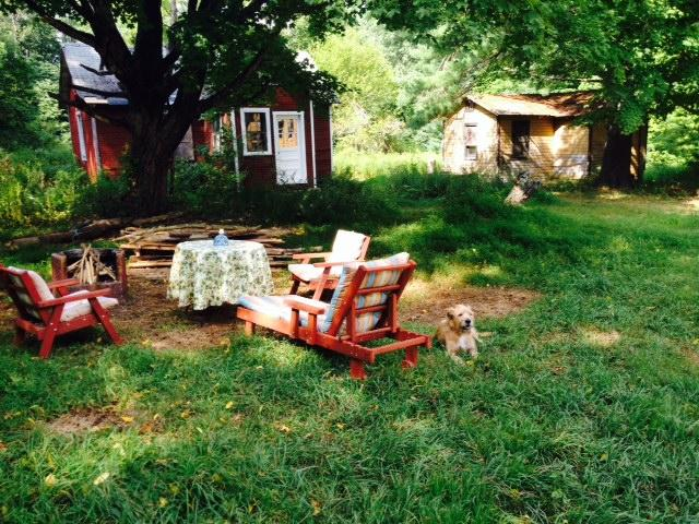 Mountain country living in casual comfort- 40's lawn furniture, firepit-bbq w/free wood, bungalows - Guesthouse at 30s Bungalow Colony with 5.5 acres - Kerhonkson - rentals