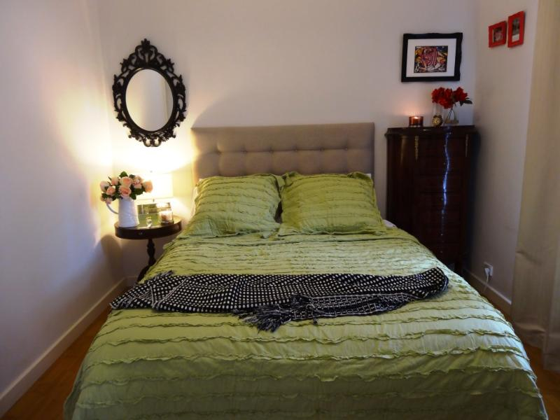 Queen Bedroom Overlooking Private courtyard - Hyde Park-Adelaide's premier suburb.Central Locale - Adelaide - rentals