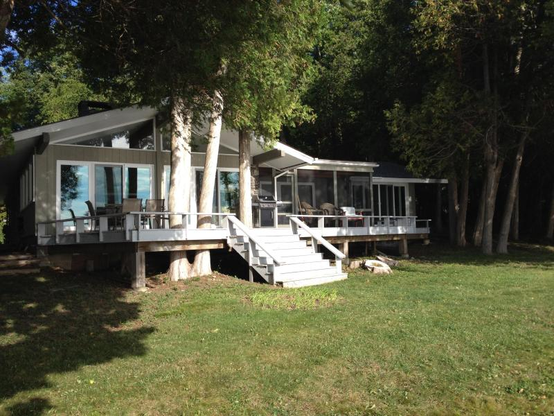Relaxation and fun on the Adirondack Coast - Cozy Lake Champlain Retreat - Plattsburgh - rentals