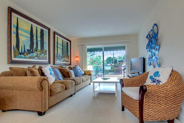 Open and bright livingroom with queen sofa sleeper - 318 Capitola Avenue Unit 1 - Capitola - rentals