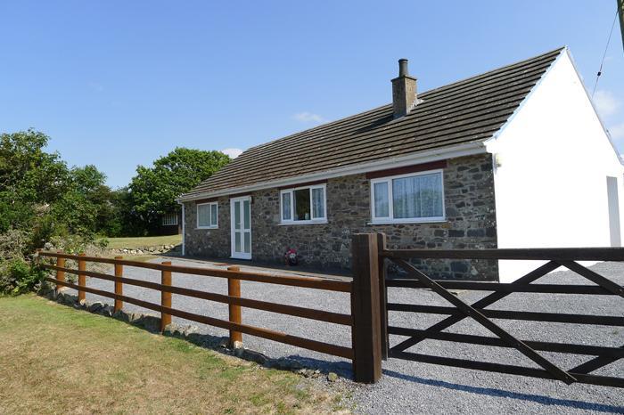 Holiday Cottage - Llanwg, Trefin - Image 1 - Trefin - rentals