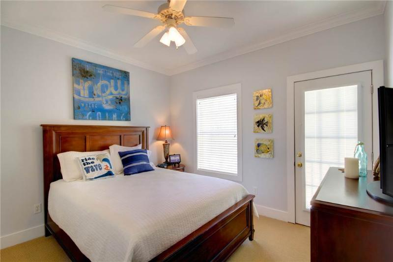 LIVING IT UP 12B - Image 1 - Pensacola - rentals